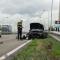 Automobilist crasht in vangrail op N201