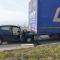 Automobiliste gewond na botsing tegen vrachtwagen