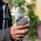 Moeder duif overleden, jong duifje gered