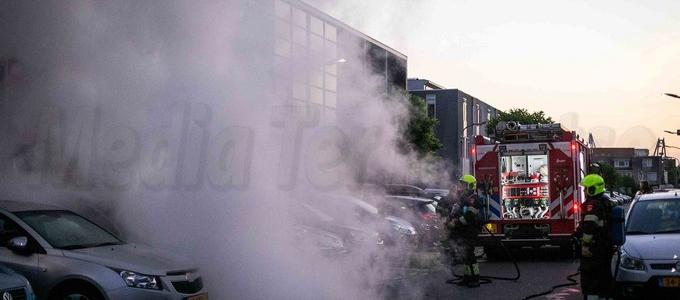Geparkeerde auto uitgebrand in Zuiderpolder Haarlem