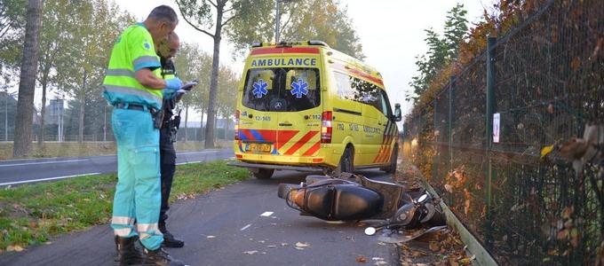 Scooterrijdster gewond na frontale aanrijding N520