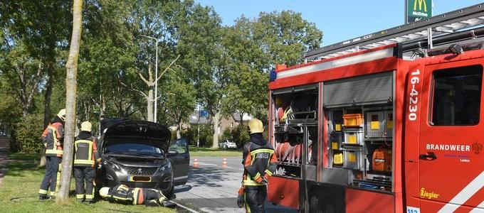 Autobrand op de omleidingsroute churchilllaan