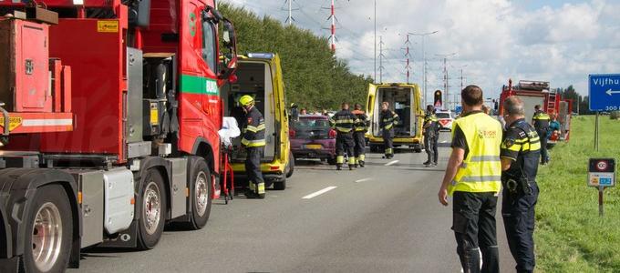 Vijf gewonden bij ongeval Drie Merenweg